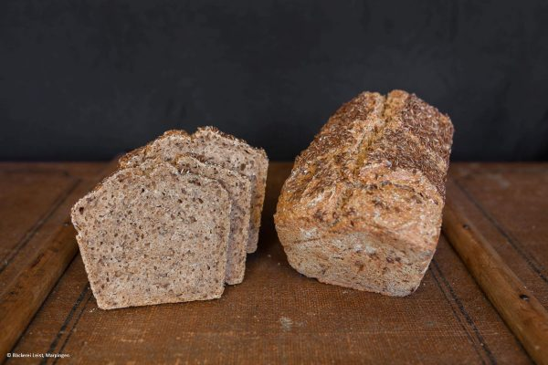 Dinkel_Leinsamen_Brot